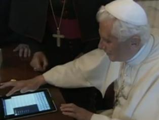Der Papst twittert via iPad